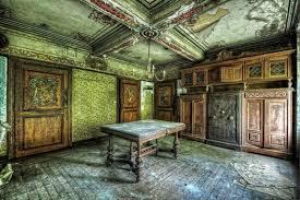 coffre fort de bureau bureau avec un coffre fort dans une ferme abandonnée maison