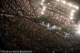 Review s & Videos Pearl Jam Takes It To Madison Square Garden