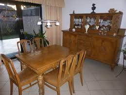alte esszimmermöbel tisch stühle vitrine antik
