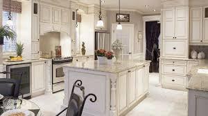 cuisine et maison le goût de recevoir dans une cuisine et une salle à manger chez soi