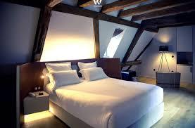 indirektes licht gibt dem schlafzimmer sein gemütliches
