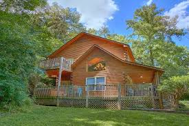 1 Bedroom Cabins In Pigeon Forge Tn by 2 Bedroom Pet Friendly Cabin Close To Dollywood With Pool Table