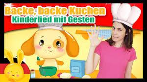 backe backe kuchen kinderlied mit gesten kinderlieder zum mitsingen titounis