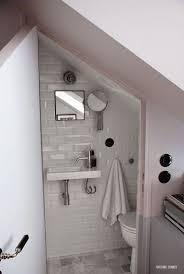salle de bain sous pente et sous combles à la déco craquante