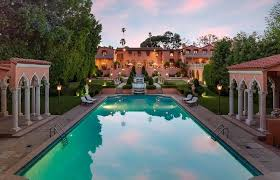 104 Beverly Hills Houses For Sale The Iconic House Where The Bodyguard Was Filmed And Beyonce Shot Black Is King