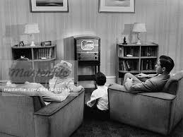 40er jahre 50er jahre familie fernsehen im wohnzimmer
