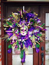 Burlap Mardi Gras Door Decorations by 25 Unique Mardi Gras Wreath Ideas On Pinterest Madi Gras Party