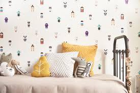 papier peint castorama chambre castorama invente le premier papier peint qui raconte des
