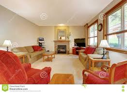 einstiegstür und ein roter moderner stuhl pfirsich und rotes