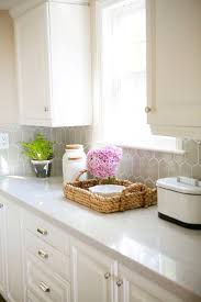 Traditional Style Decor And Storage Basket With Pink Hydrangea Quartz Countertops