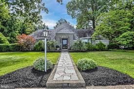 100 Carlisle Homes For Sale For Near Area High School At 623 W Penn