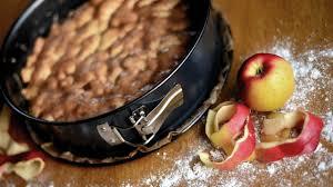 herbstlicher apfel walnuss kuchen