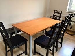 esszimmer mit stühle und bank