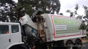 EPIC GARBAGE TRUCK FAIL!!! - YouTube