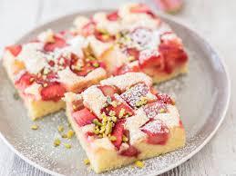 highlight der saison rhabarberkuchen vom blech
