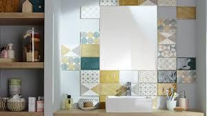 revêtement salle de bains carrelage parquet peinture pvc