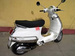 Vespa LX 150 2009 11