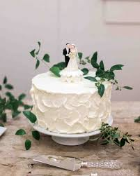 29 Wedding Cakes With Vintage Vibes
