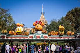 Anaheim Halloween Parade Time by Mickey U0027s Halloween Party Expands To 17 Nights With Return Of