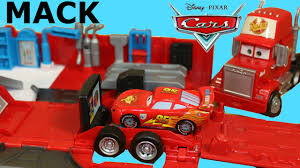 100 Cars Mack Truck Playset DISNEY CARS MACK TRANSFORMING TRUCK PLAYSET STORY SETS CONNECT