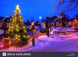 Flagpole Christmas Tree Uk by Christmas Tree Scene Christmas Lights Decoration