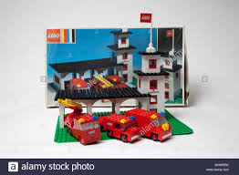 100 Lego Fire Truck Games Old Lego Toy Set Fire Brigade Station Stock Photo 28227015 Alamy