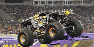 Monster Jam Trucks, At Ford Field Saturday, Going For 'bigger And ... Grave Digger Monster Jam January 28th 2017 Ford Field Youtube Detroit Mi February 3 2018 On Twitter Having Some Fun In The Rockets Katies Nesting Spot Ticket Discount For Roars Into The Ultimate Truck Take An Inside Look Grave Digger Show 1 Section 121 Lions Reyourseatscom Top Ten Legendary Trucks That Left Huge Mark In Automotive Truck Wikiwand