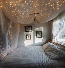 Icicle Lights In Bedroom by String Light Bed Canopy Jacquelyn Portolese Seattle Wedding