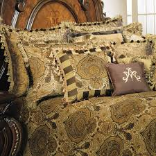 Pontevedra Luxury Bedding from the Michael Amini Bedding