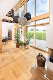 wohnzimmer mit galerie wohnideen inneneinrichtung