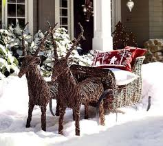 Outdoor Christmas Decorating Ideas Front Porch by 35 Best Christmas Decorations Yard Decoration Images On Pinterest