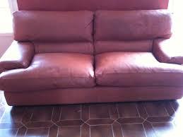 rembourrage canape rembourrage et retauration de couleur sur canapé en cuir à