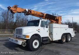 100 Derrick Trucks 1991 International 4900 Digger Derrick Truck Item DB6266