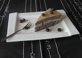 marzipan mohn torte mit beerenmarmelade