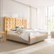 zirbenholz fürs schlafzimmer seine wirkung das haus