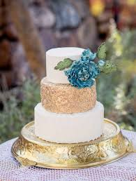 12 Beautiful Wedding Cakes that are almost too pretty to eat