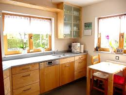 einbauküchen massiv holzküchen in weiß hochglanz birke
