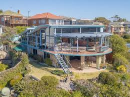 100 Queenscliff Houses For Sale The Sydney Breakdancing Real Estate Agent The Weekly Times