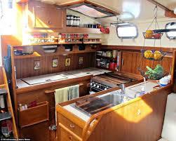 cuisine bateau interieur bateau daily