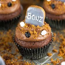 Halloween Graveyard Brownie Cupcakes