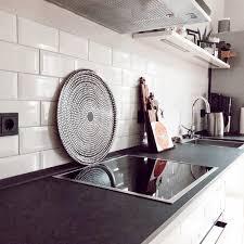 küche schwarzundweiß marimekko metrofliesen