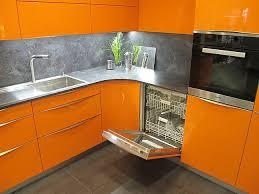 störmer küchen musterküche orangener hingucker