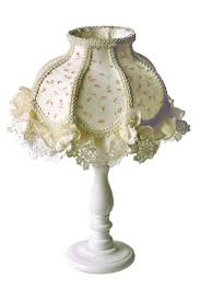 5 Lovely Shabby Chic Lamps