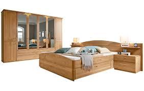 schlafzimmer in erle massivholz und beleuchtung