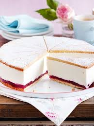 käse sahne torte mit preiselbeeren rezept lecker leckere