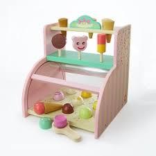 cuisine enfant 2 ans des idées cadeaux pour les 2 ans de joliemarine l heure de la