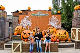 Pumpkin Patch Rice Lake Wi by 10 Things To Do At Knott U0027s Spooky Farm Tonya Staab