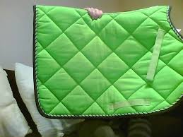 bonnet assorti tapis lamicell mirage vert pomme