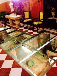 Sa Romana Restaurant Glass Floor Entrance It Gives A Nice First Impression When You