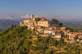 100 16 Century Hilltop Trails Of Green Istria Macs Adventure